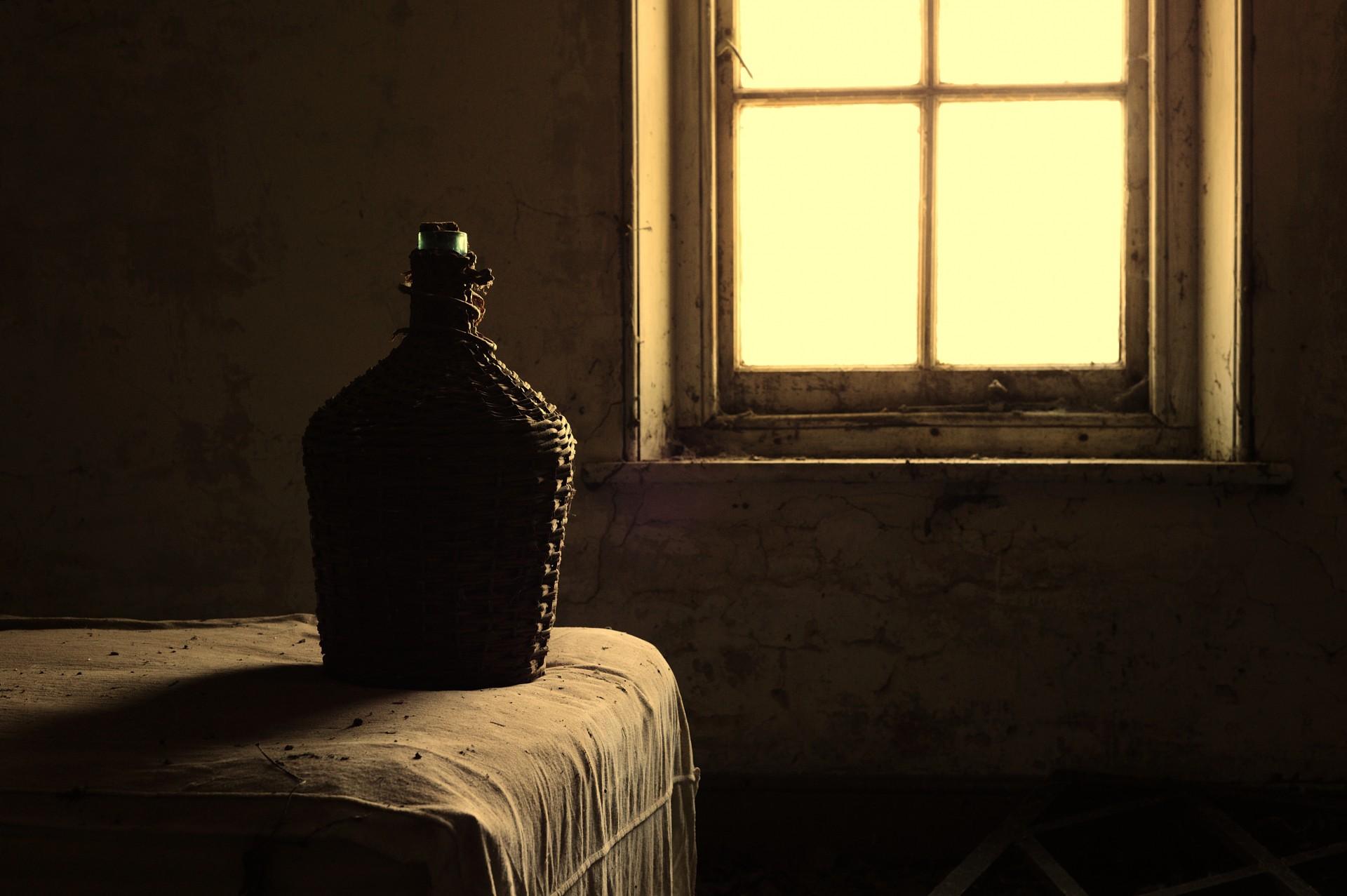 Bessingham Manor - Bedroom Wine Cask