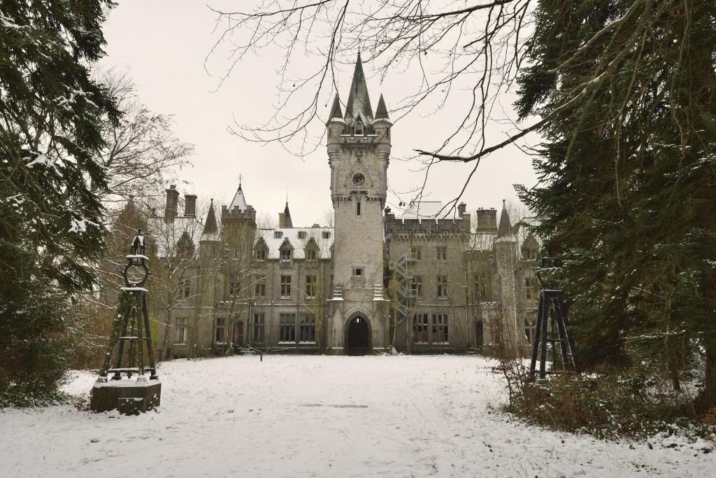 Château de Noisy in the Snow