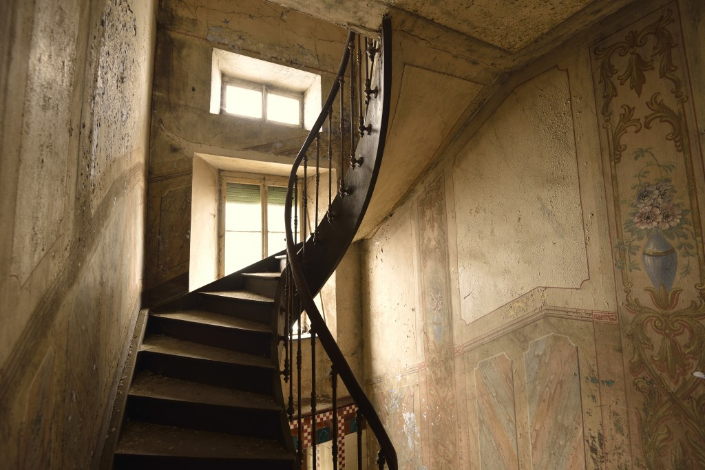 <strong class='StrictlyAutoTagBold'>Maison Heinen</strong> - Staircase